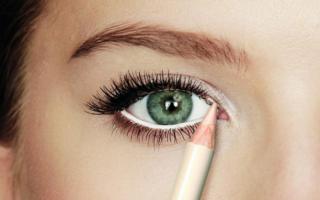 Серебряный макияж, 3 варианта на все случаи жизни